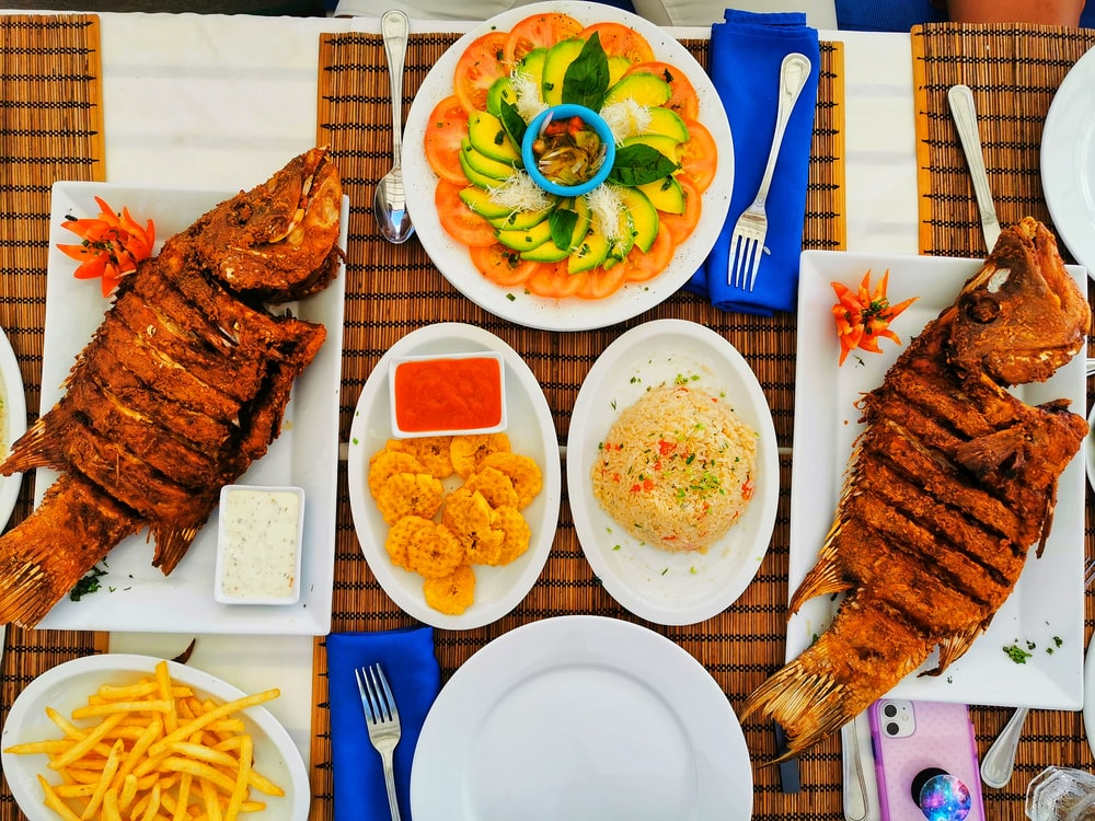 grilled fishes and fried rice