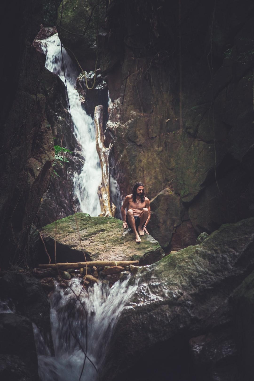 A real-life Tarzan!