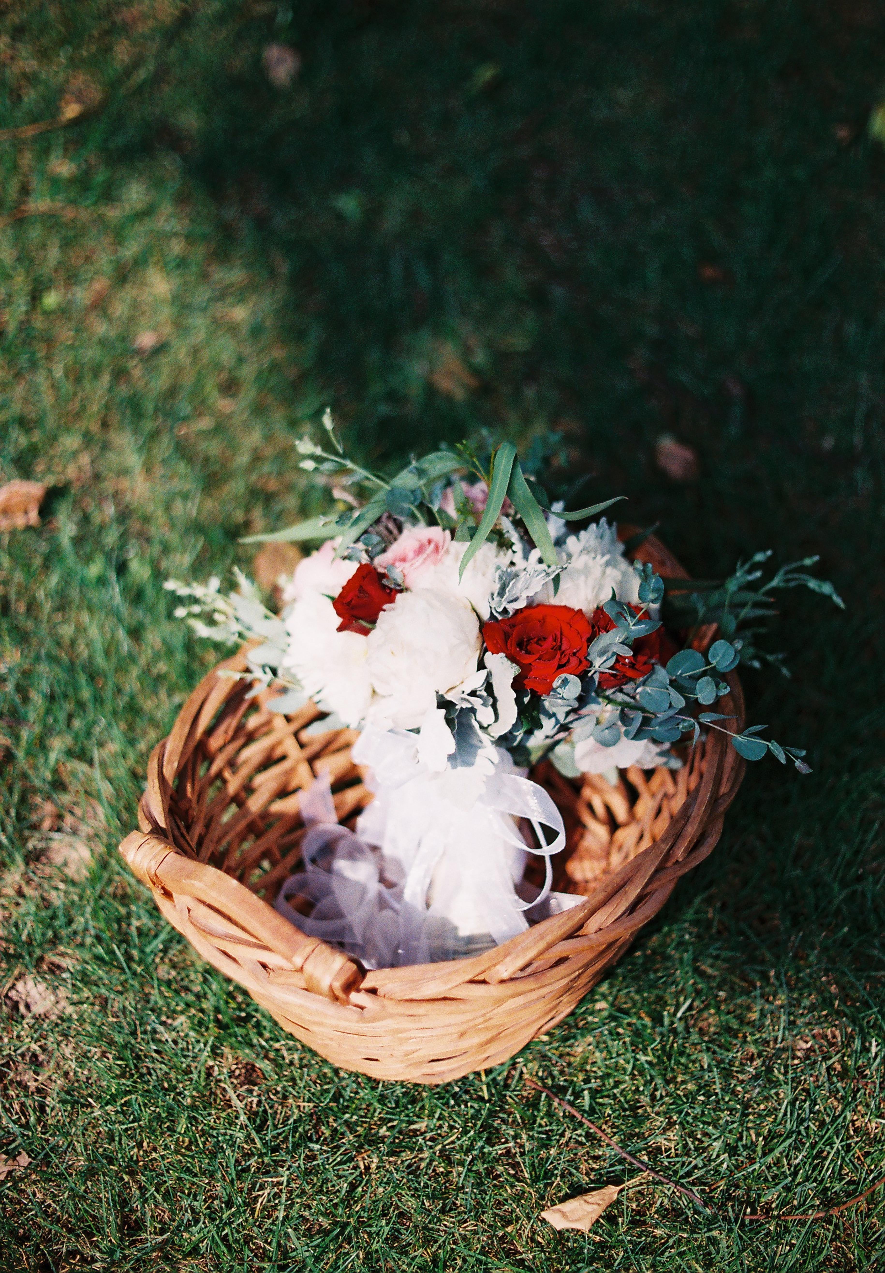 White And Red Flower Bouquet In Basket Photo Free Basket Image On Unsplash