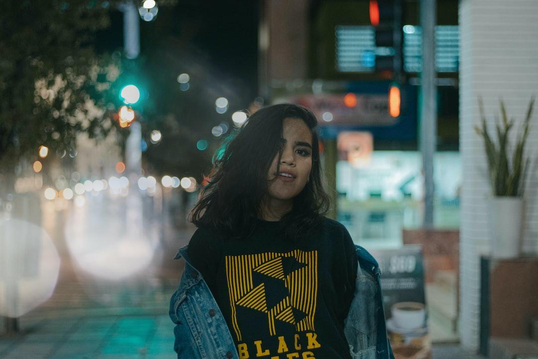 lights up, portrait, urban, girl
