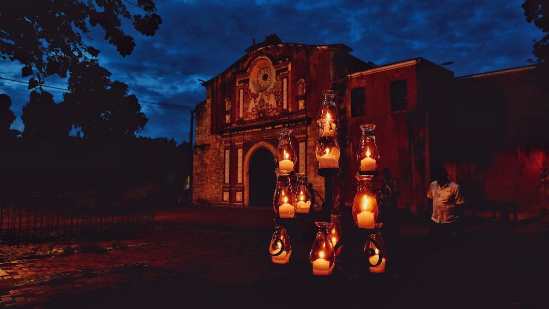 La capilla de la Orden Tercera o seglar de los frailes de Santo Domingo y los restos de los muros coloniales, en el interior de la Quinta Dominica.