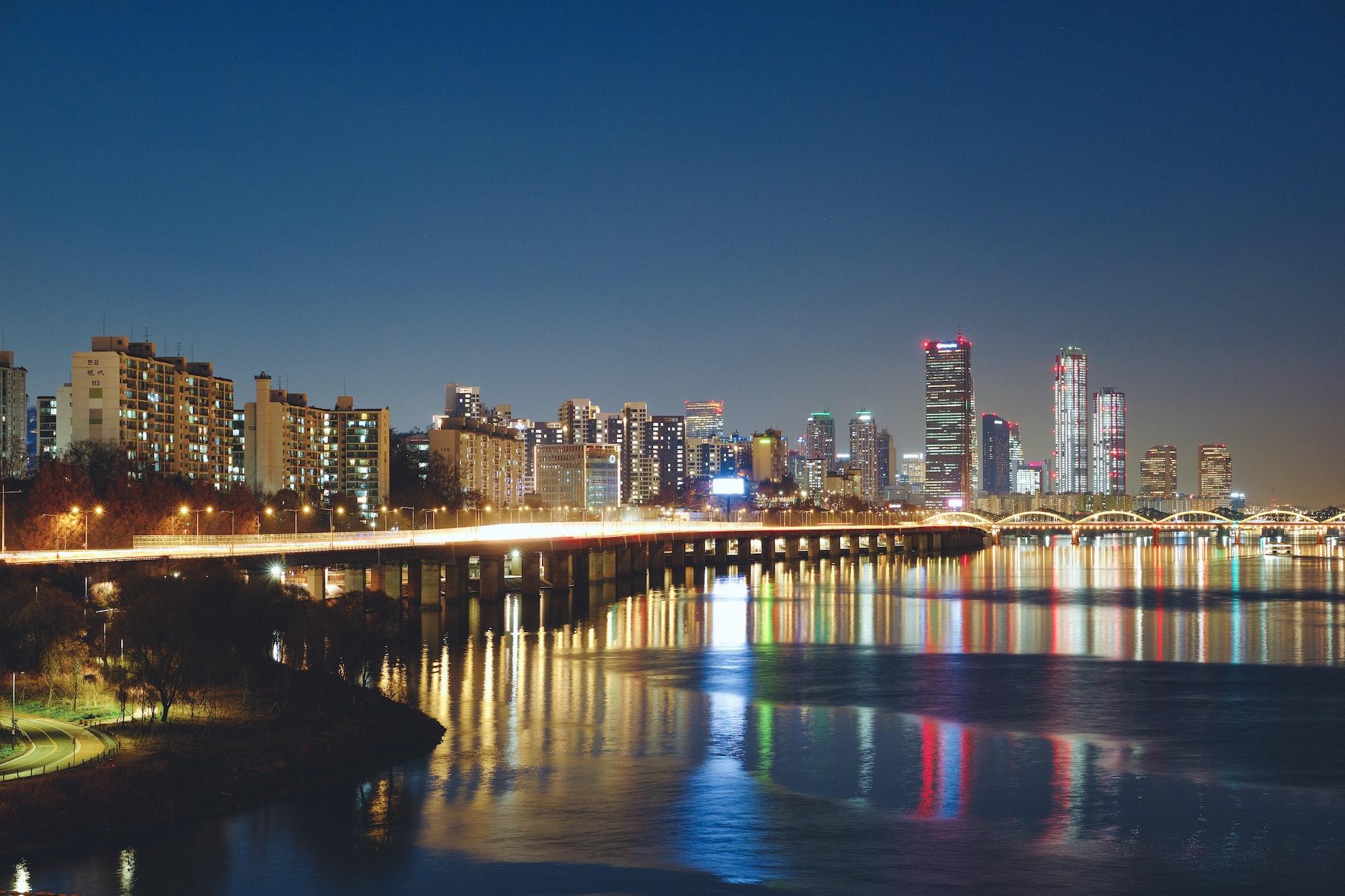 다리 위에서 바라본 야경 A night view from the bridge