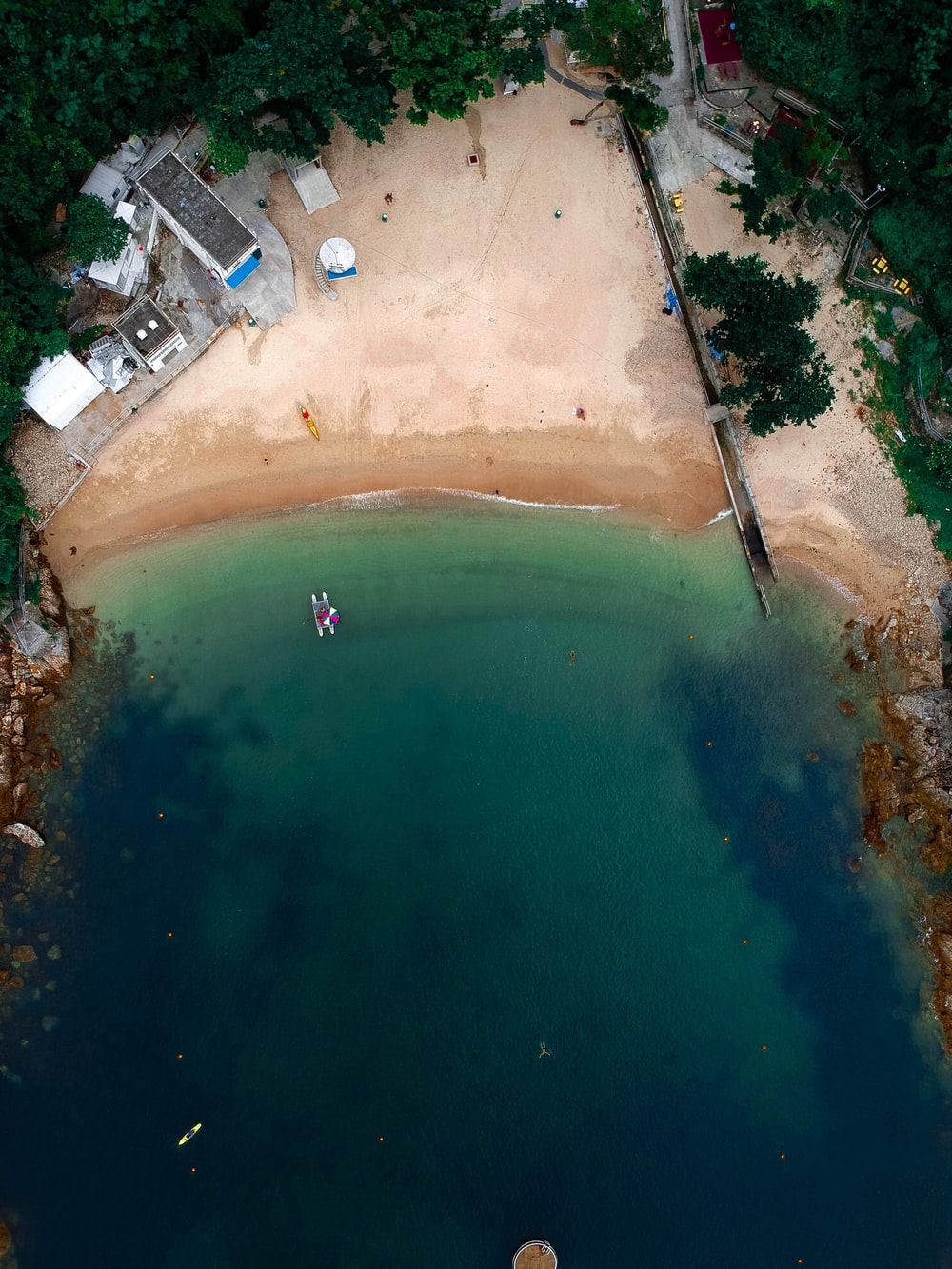 aerial photography of shore at daytime