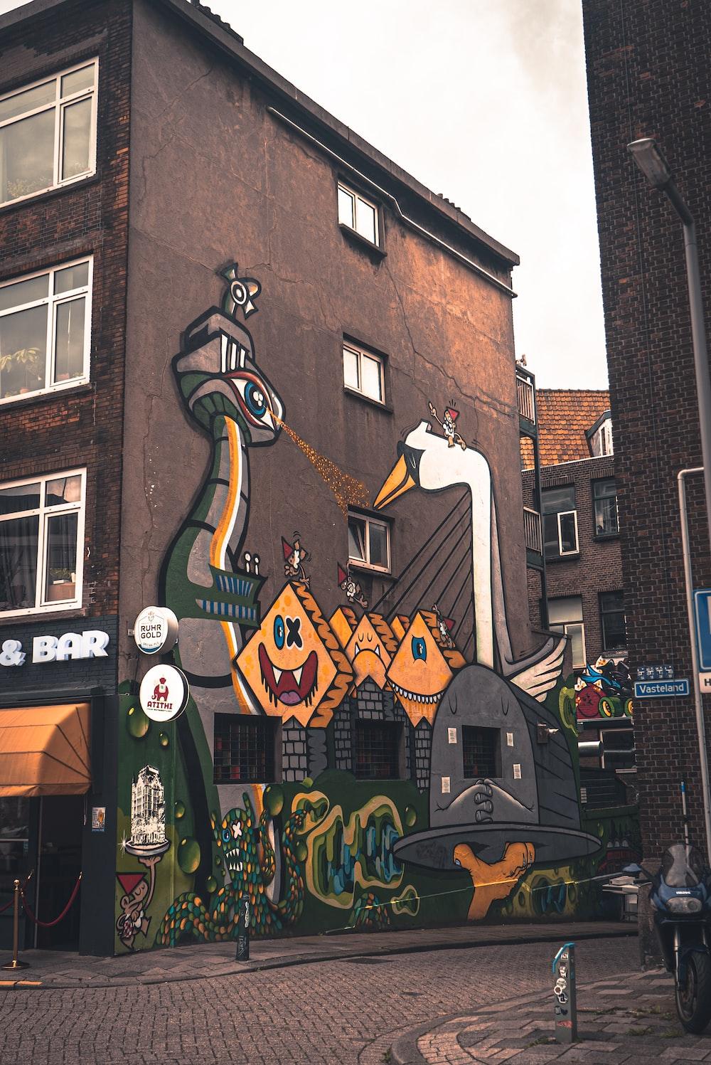 brown and gray graffiti