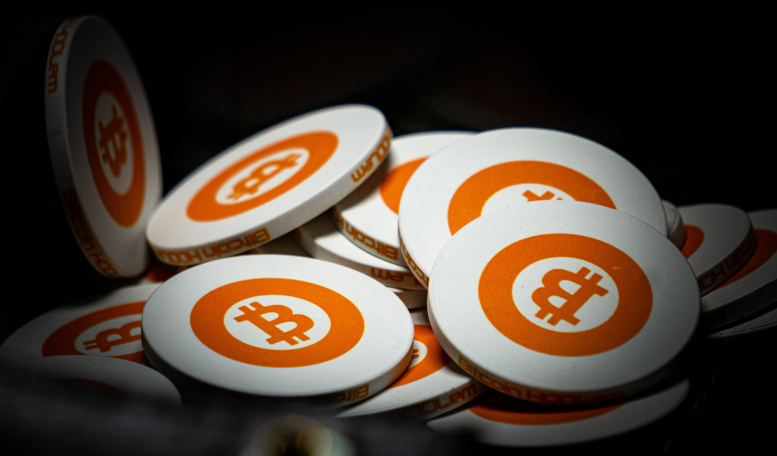 """Data shows miners are """"accumulating"""" as Bitcoin falls to $44,000"""