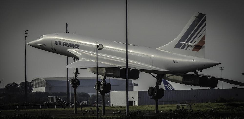 gray Air France passenger plane