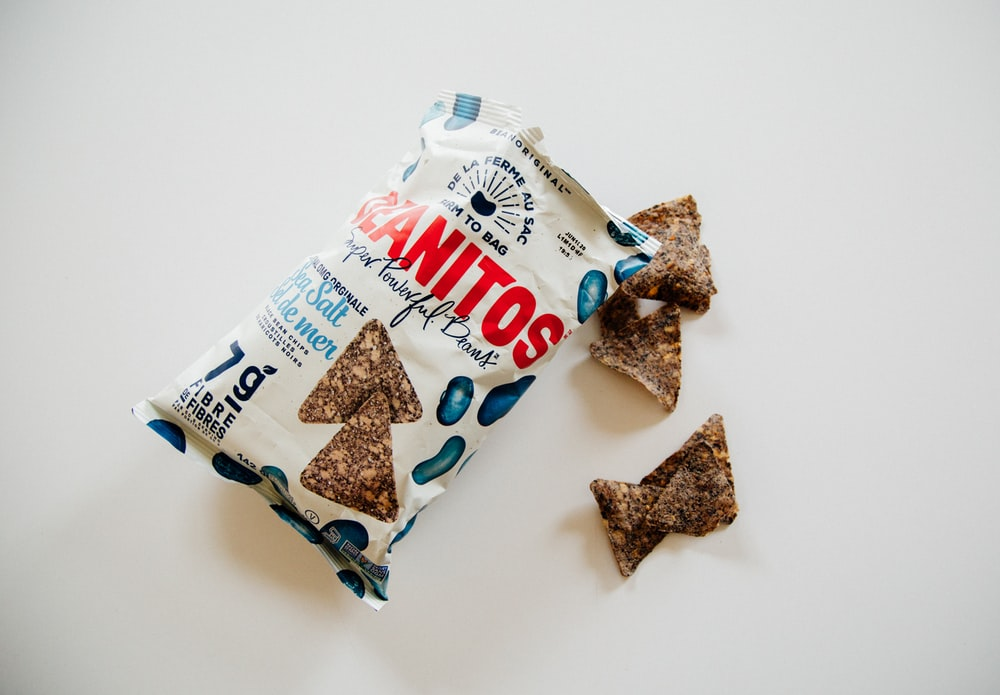 7 g white and blue Sanitos pack