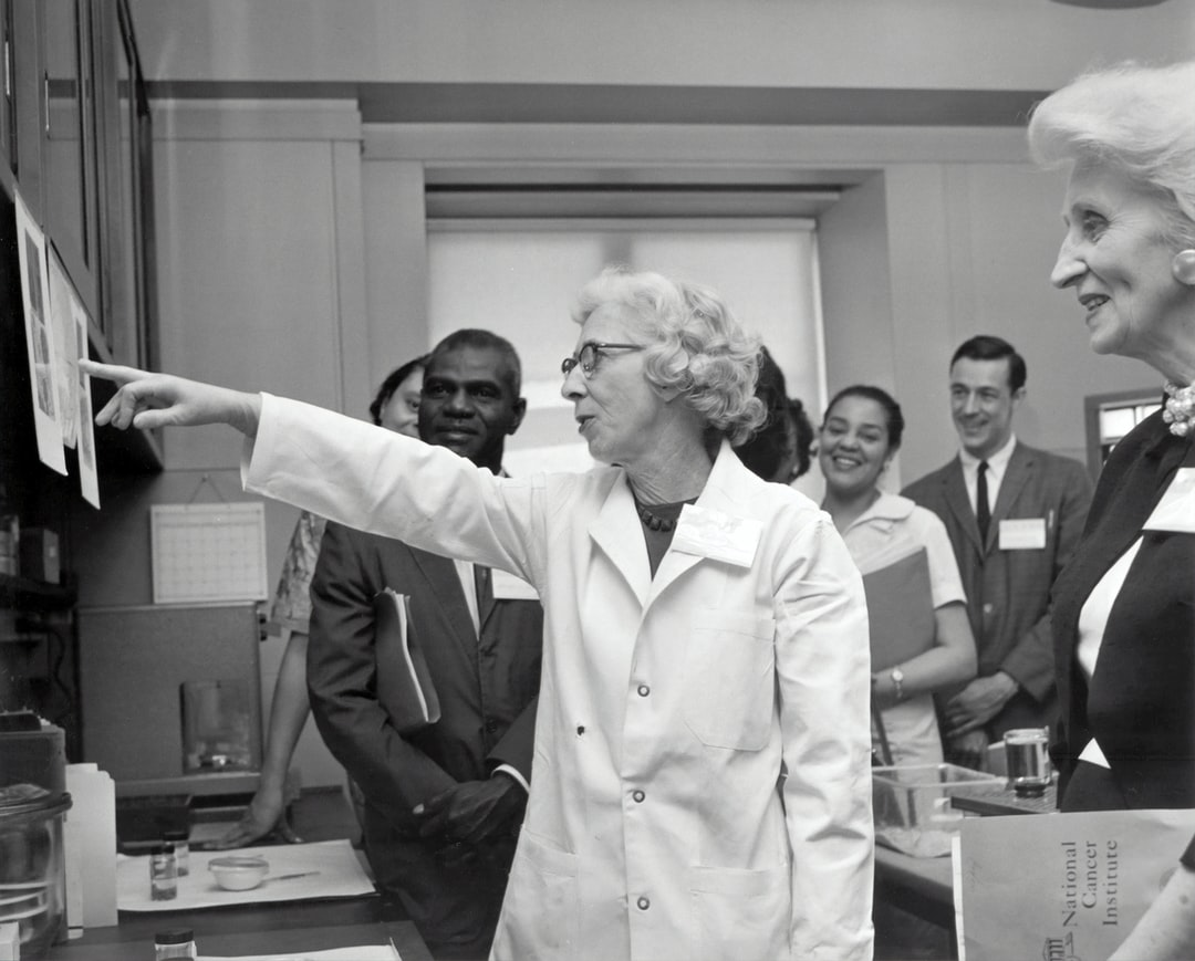 """3rd Meeting of the Science Demonstration Conference. Dr. Margaret Kelly, Medicine Branch, """"Chemical Carcinogenesis in Newborn Animals"""". 1962"""