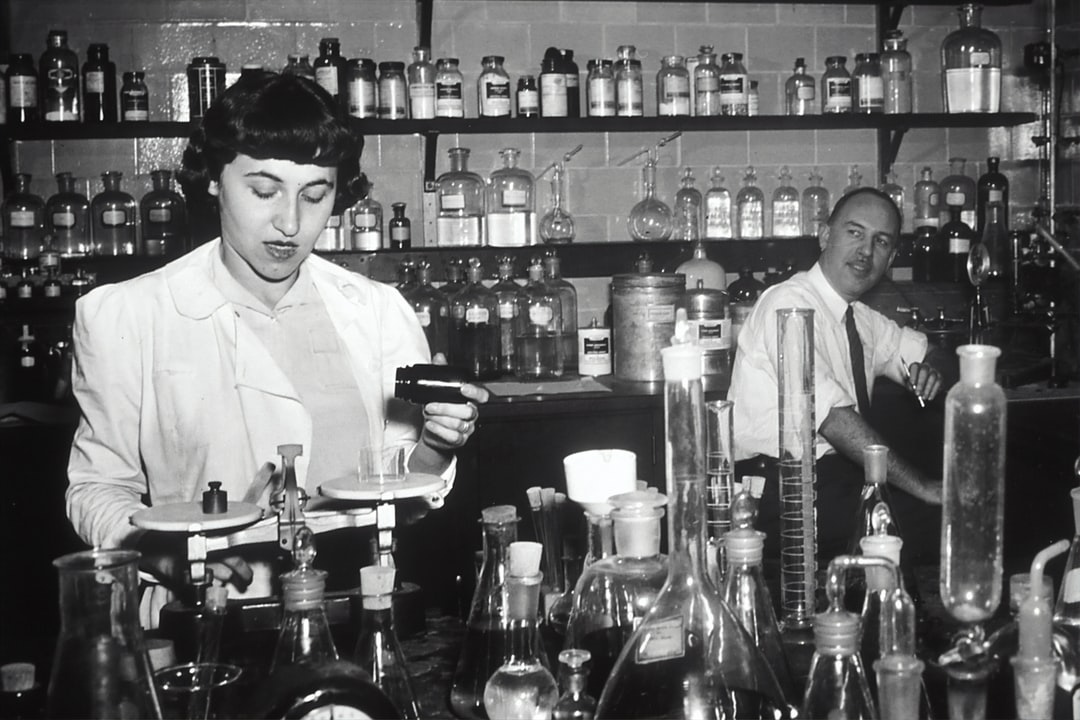 Dr. Jonathan Hartwell (right) and his assistant Sylvy R. Levy Kornberg conduct some of the earliest chemotherapy tests at the National Cancer Institute, about 1950.