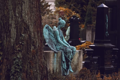 Beautiful statue I've found on a quiet cemetery in the city of Dresden. Rest in peace.