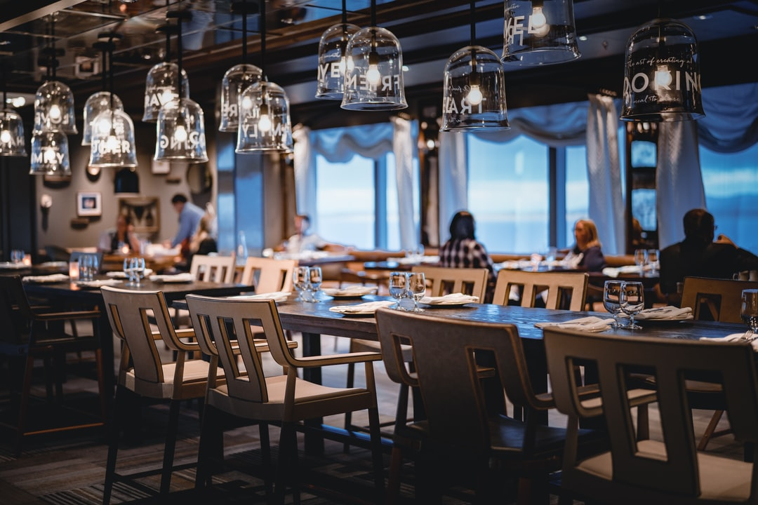 What Are the Current Restaurant Furniture Trends in 2021?