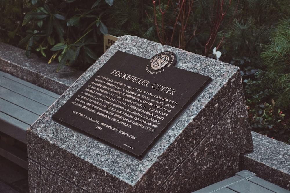 center plaque