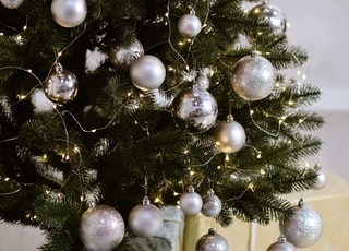 green Christmas tree with gray bubles