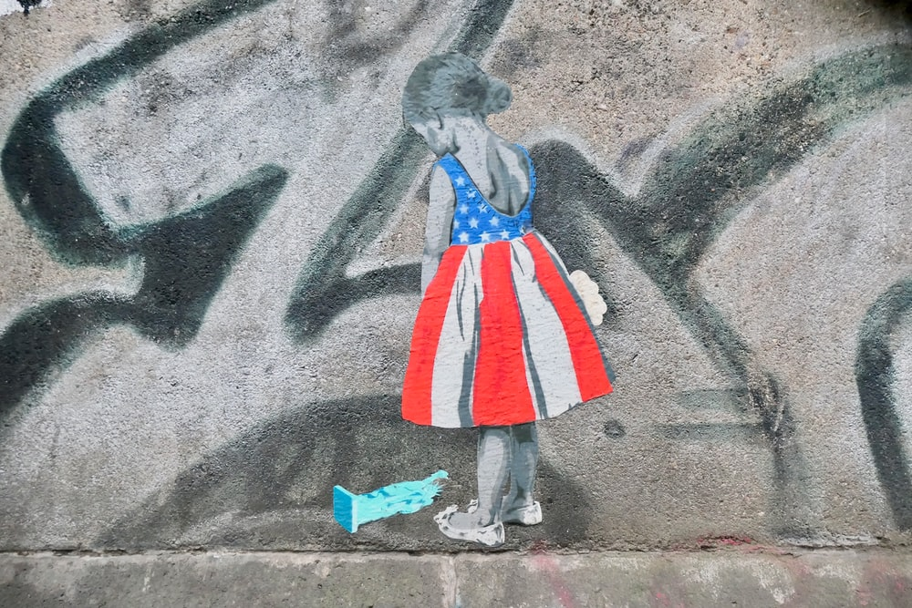 girl graffiti paint