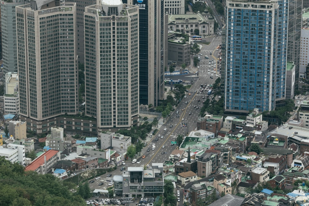 aerial photography of city road during daytime