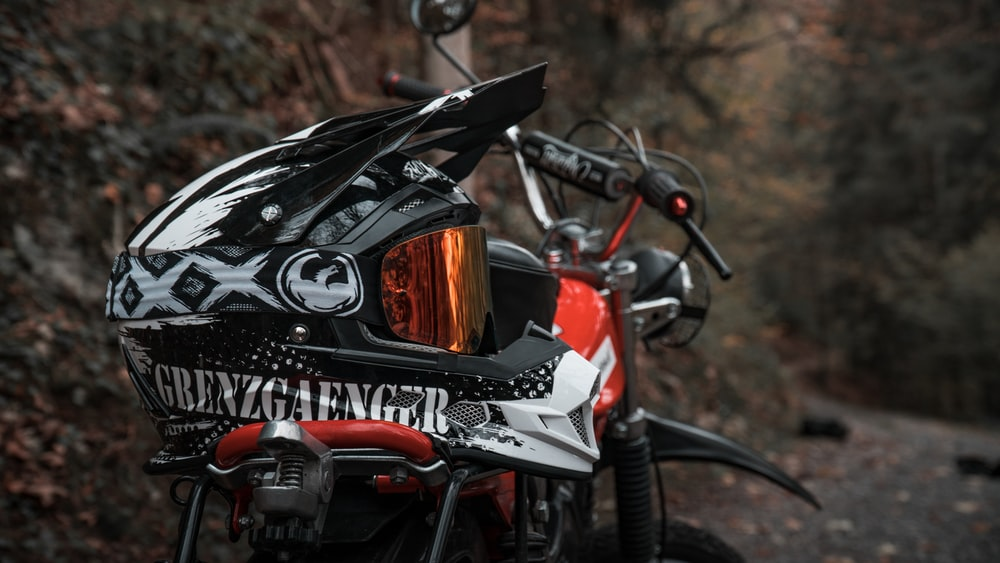black and white motorcycle helmet