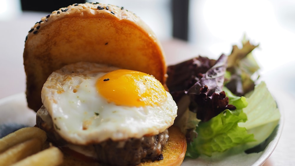 hamburger with egg and patty