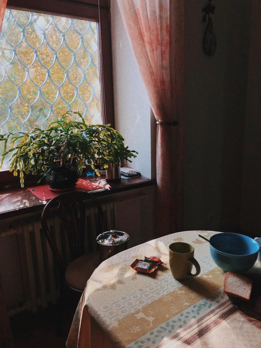 mug and bowl on table