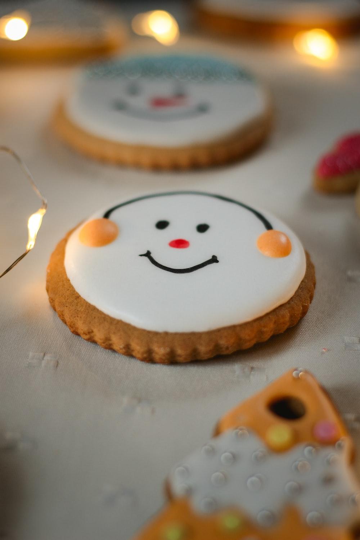 several cookies