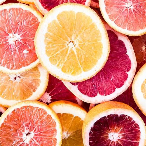 cut citrus fruits.