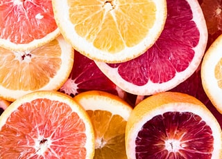 sliced grapefruits