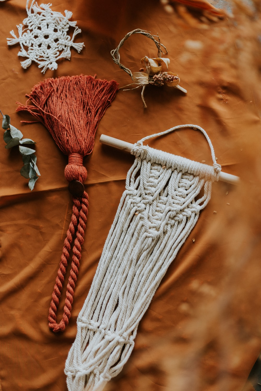white handing rope decor