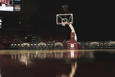 white and red basketball hoop basketball teams background