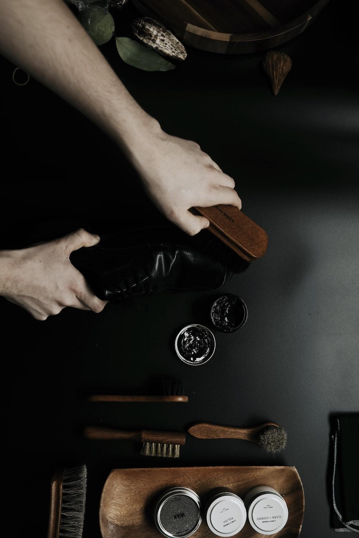 brown and black brush