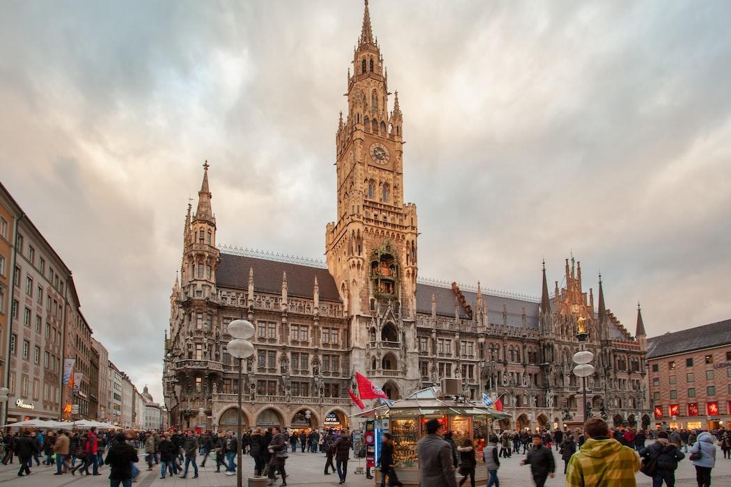 Munich giant Flea market -Theresienwiese, Best Flea Markets in Europe