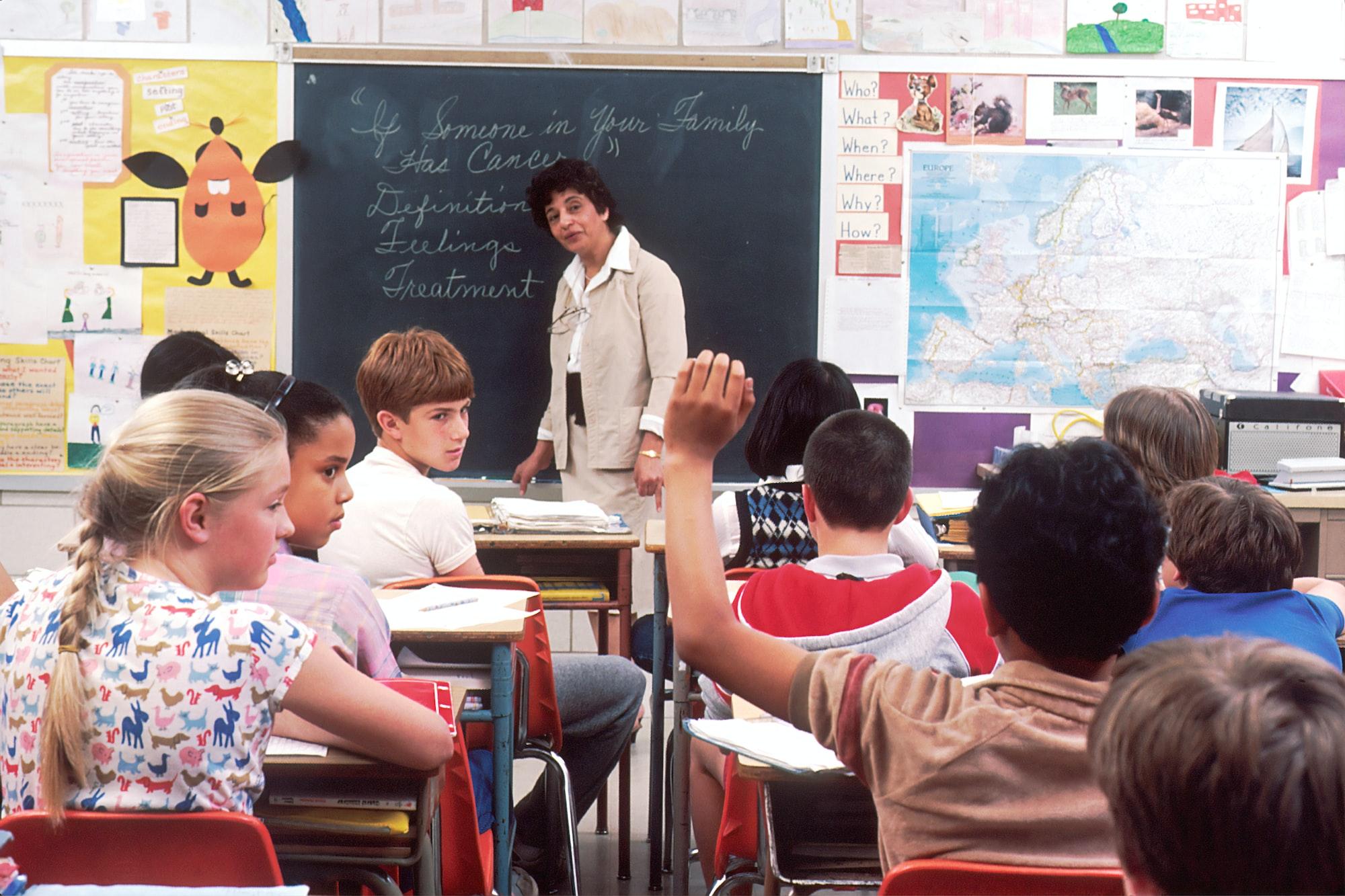 अमेरिका: स्कूल खुलते ही 7.5 लाख बच्चे कोरोना प्रभावित