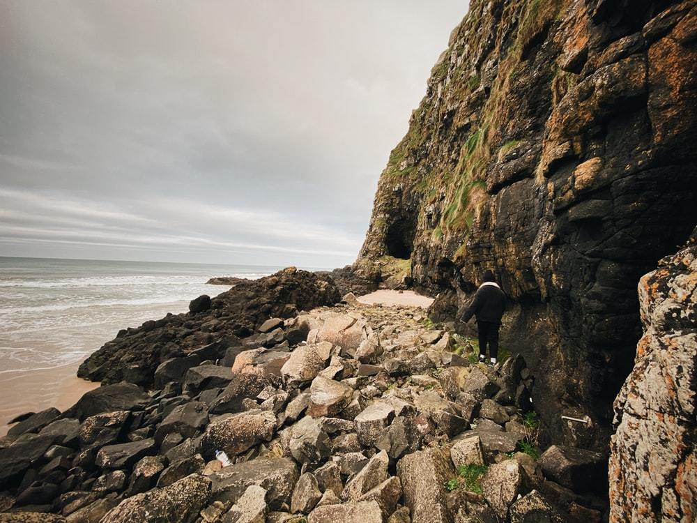 landscape photography of cliff