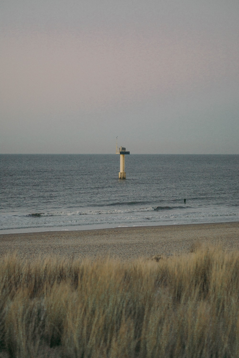 shallow focus photo of lighthouse