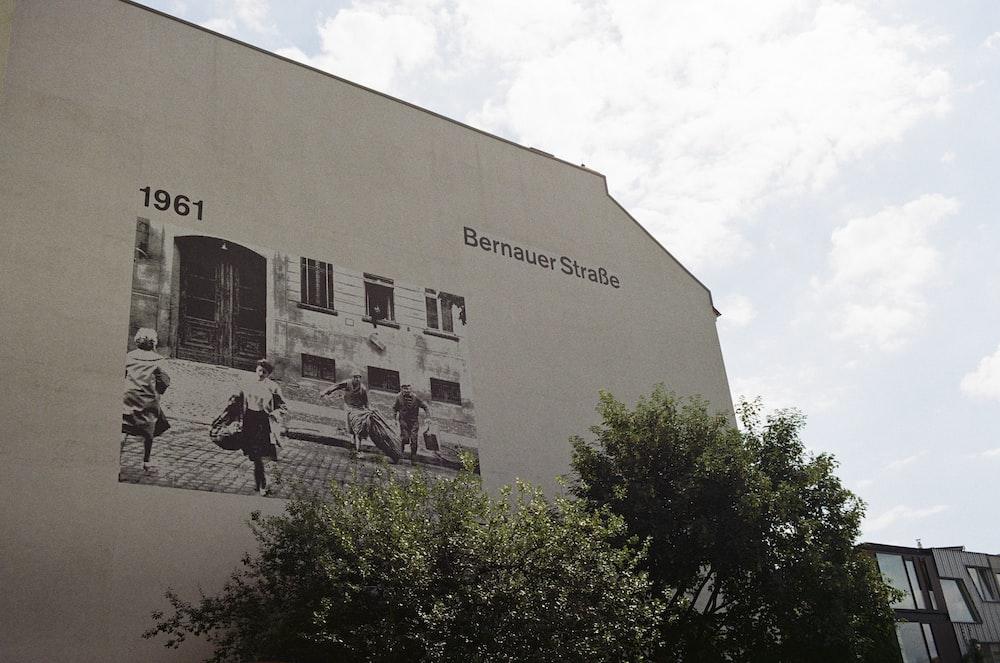 1961 Bernauer building