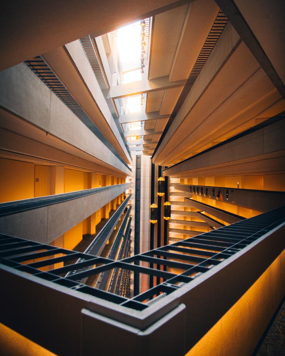 Vertigo.   www.instagram.com/selmshots