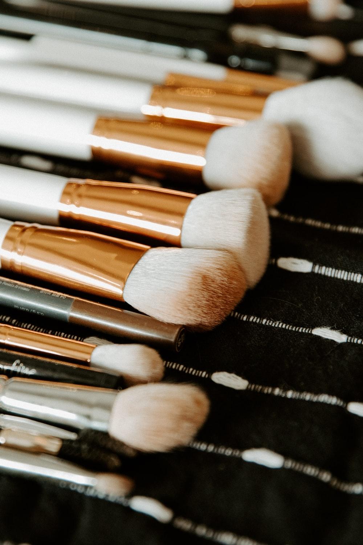 white makeup brush set