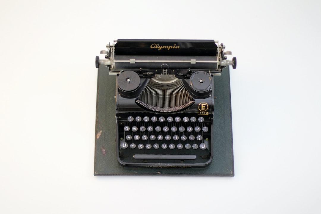 Typewriter »olympia« - unsplash