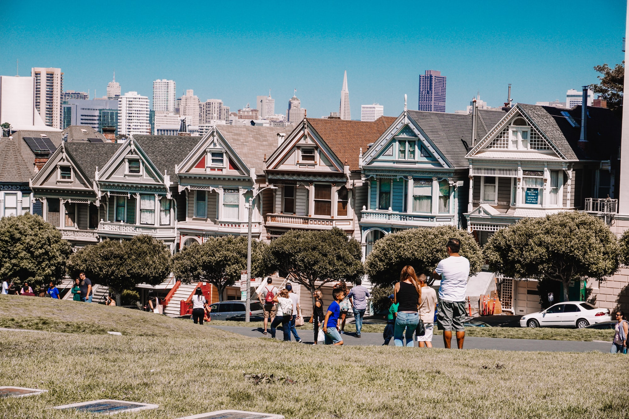 5 Benefits of Living in a Walkable Neighbourhood