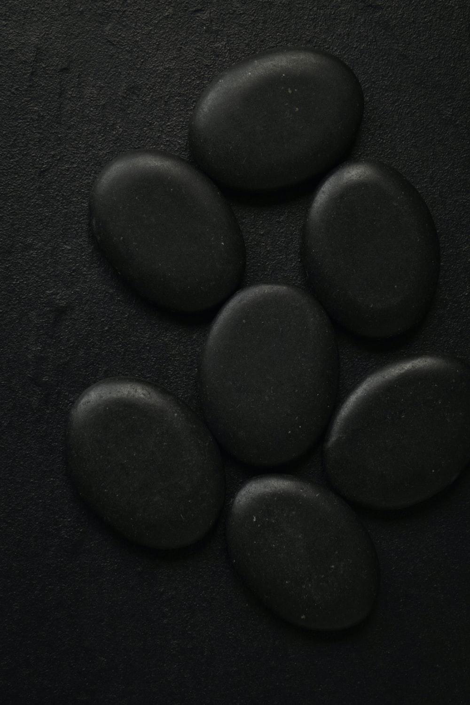 seven black pebbles