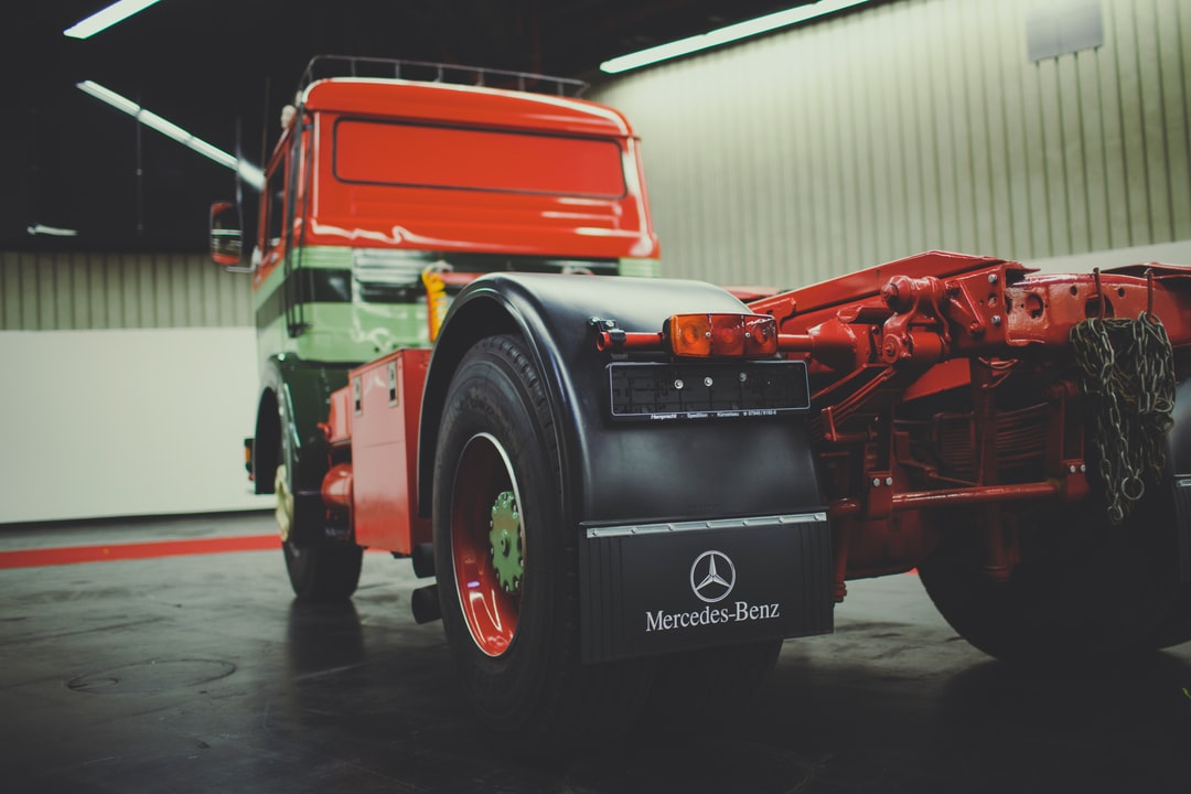 Vintage Classic New Condition Mint Condition Semitrailer Lorry Truck Lkw Mercedes Benz - unsplash