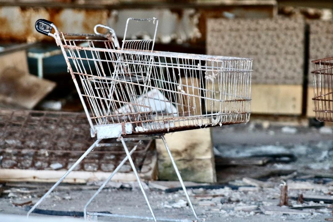 Chernóbil y Prípiat son lugares conocidos tristemente por el desastre nuclear de 1986.   El accidente de Chernóbil fue un accidente nuclear sucedido el 26 de abril de 1986. Pripyat es una ciudad fantasma en la zona de exclusión de Chernóbil al norte de Ucrania en la región de Kiev, cercana a la frontera con Bielorrusia.   Pripyat es una ciudad fantasma en la zona de exclusión de Chernóbil al norte de Ucrania en la región de Kiev, cercana a la frontera con Bielorrusia. Debe su nombre al río que atraviesa la ciudad.