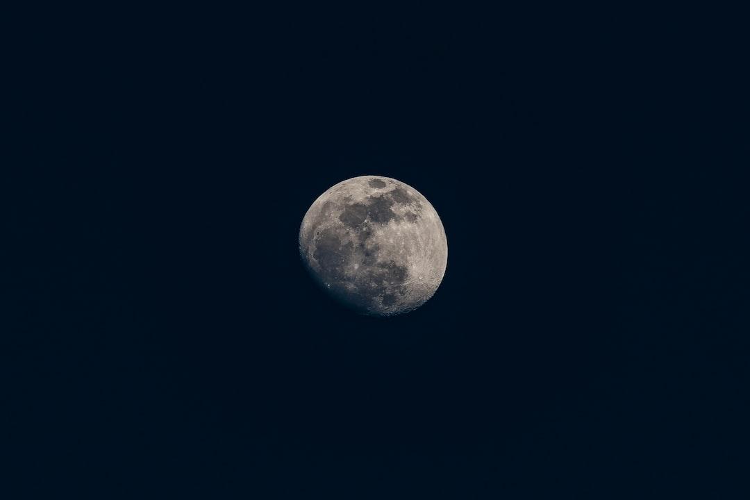 Moon  - unsplash