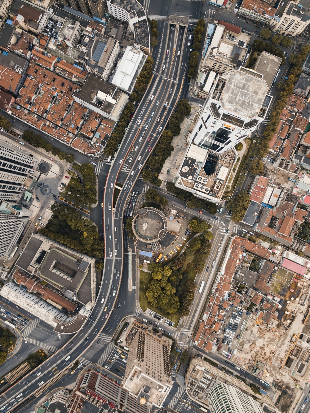 aerial photography of houses and city buildings