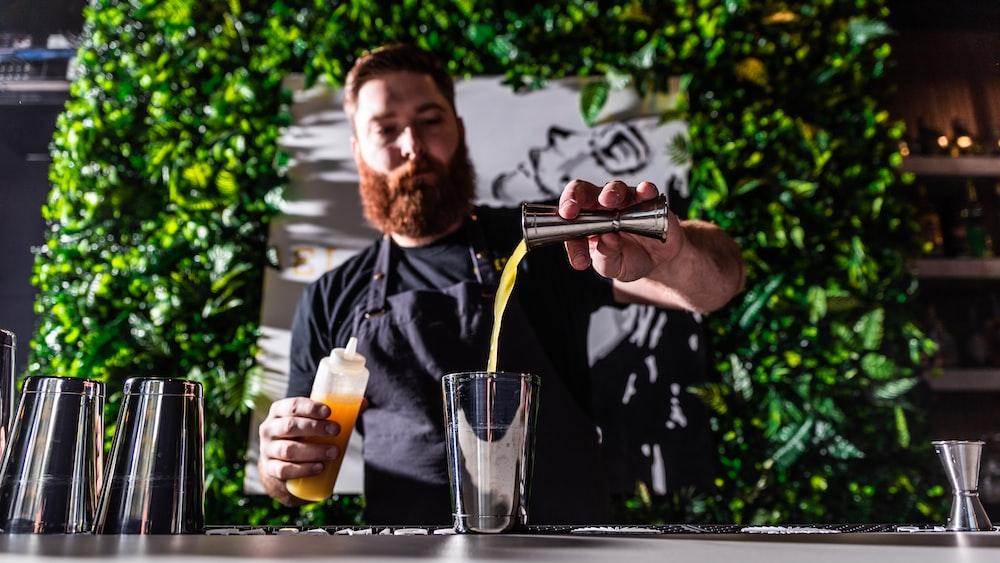 bartender pouring juice