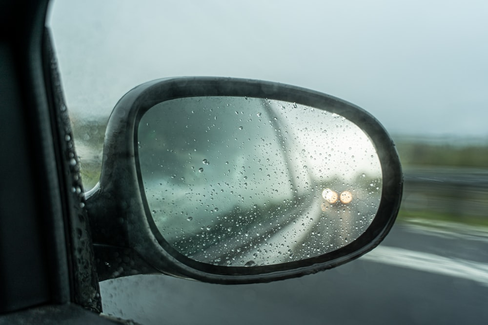 vehicle's right wing mirror