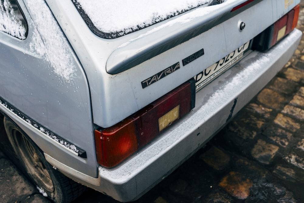 gray vehicle