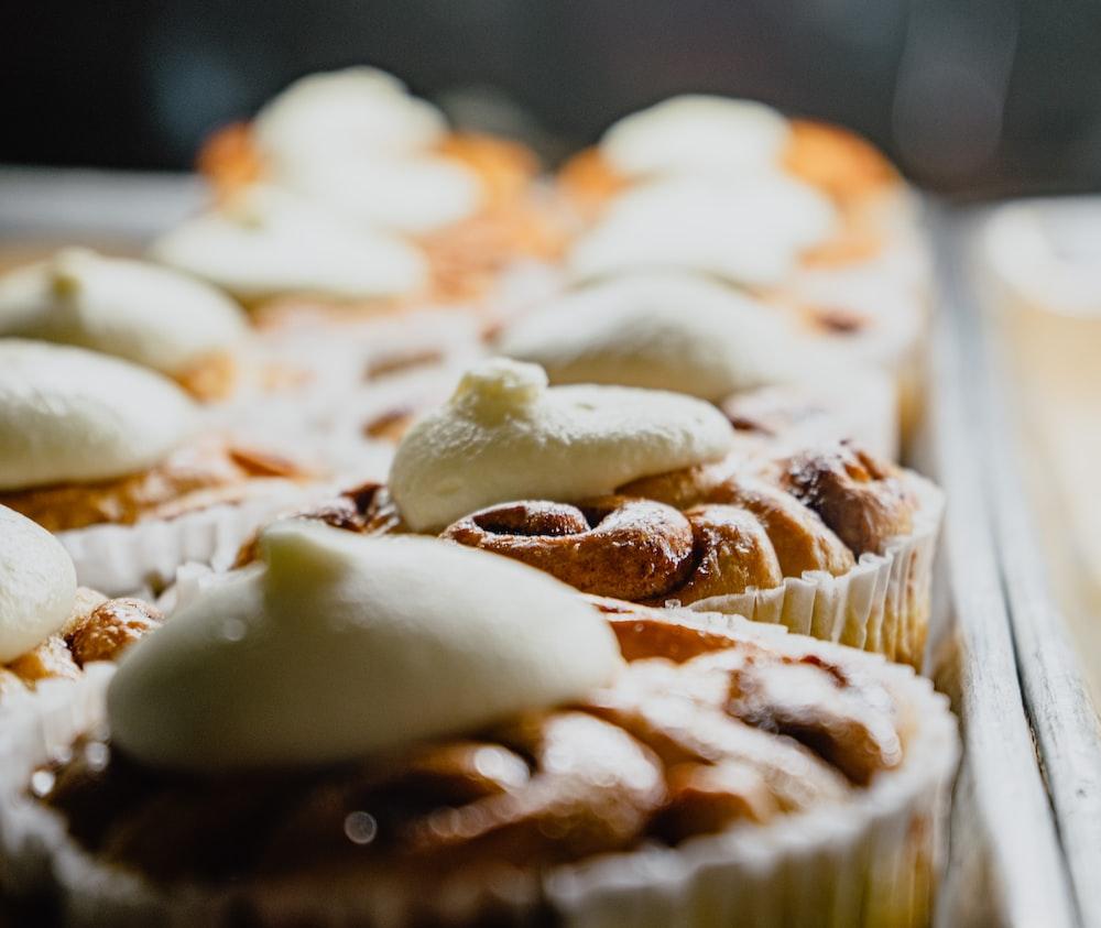 macro photography of cupcakes
