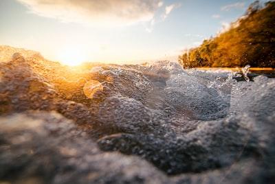 Crashing Waves Instagram: jlcruz.photography