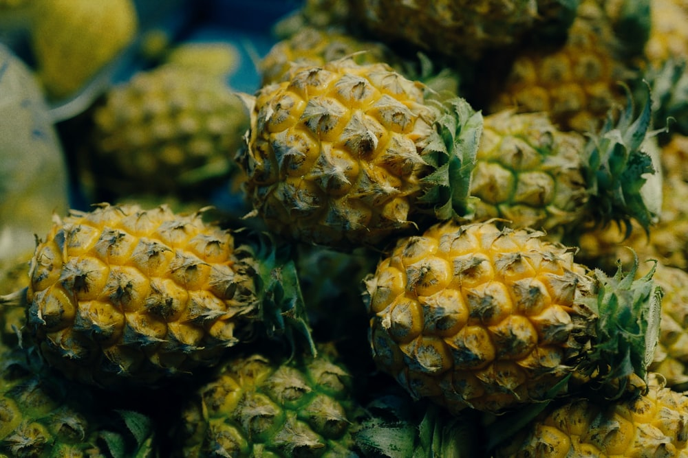 pineapples with it's crowns
