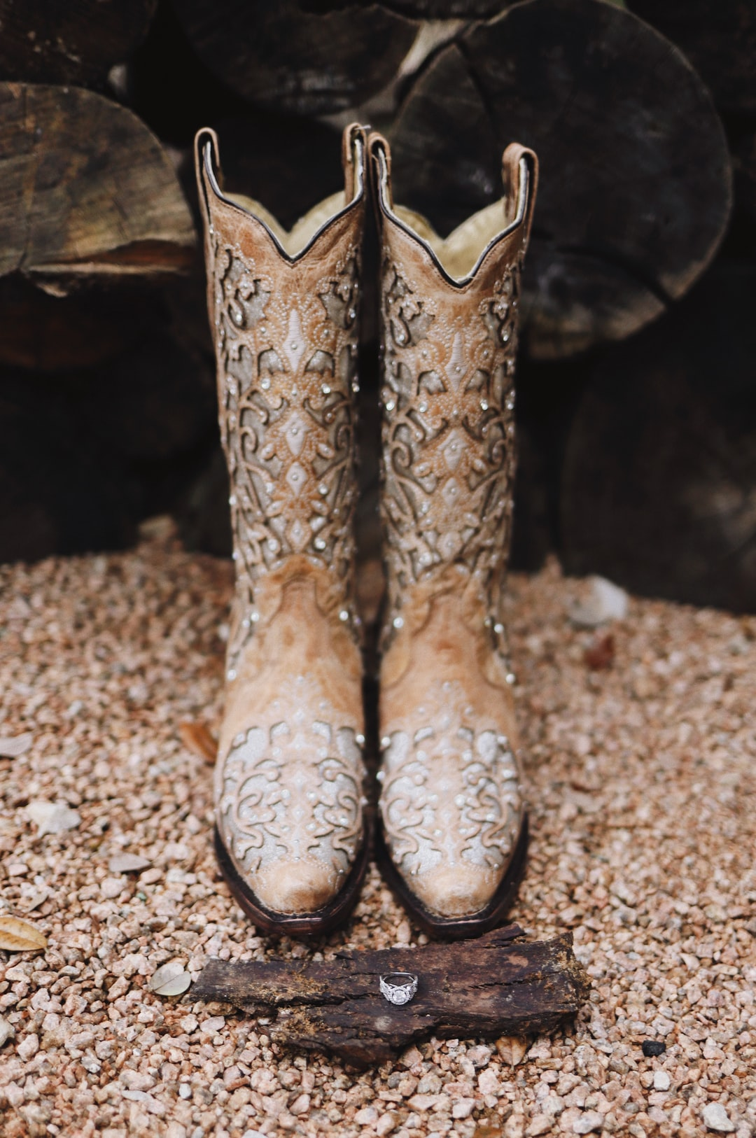 wedding cowboy boots + ring