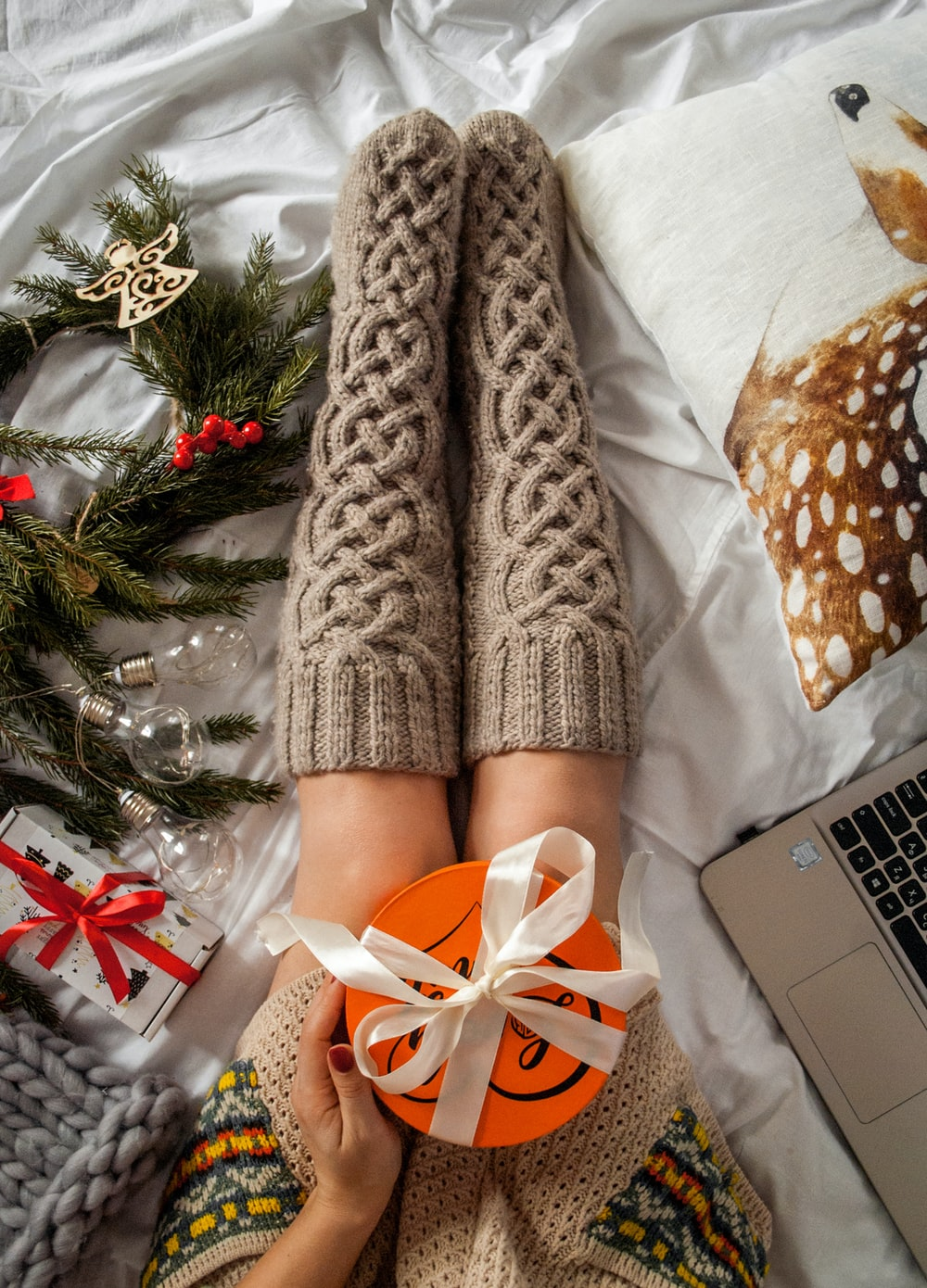 brown cable knit socks